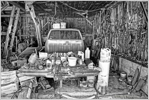 Larry's Garage Presence