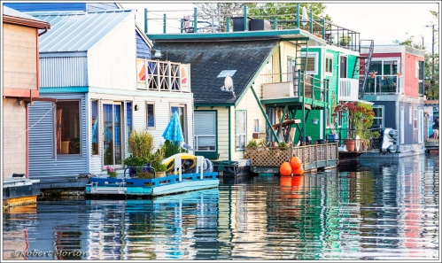 Houseboats Vic Harbour