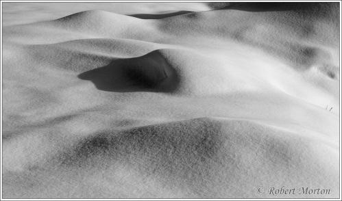 snow-surfaces-mono